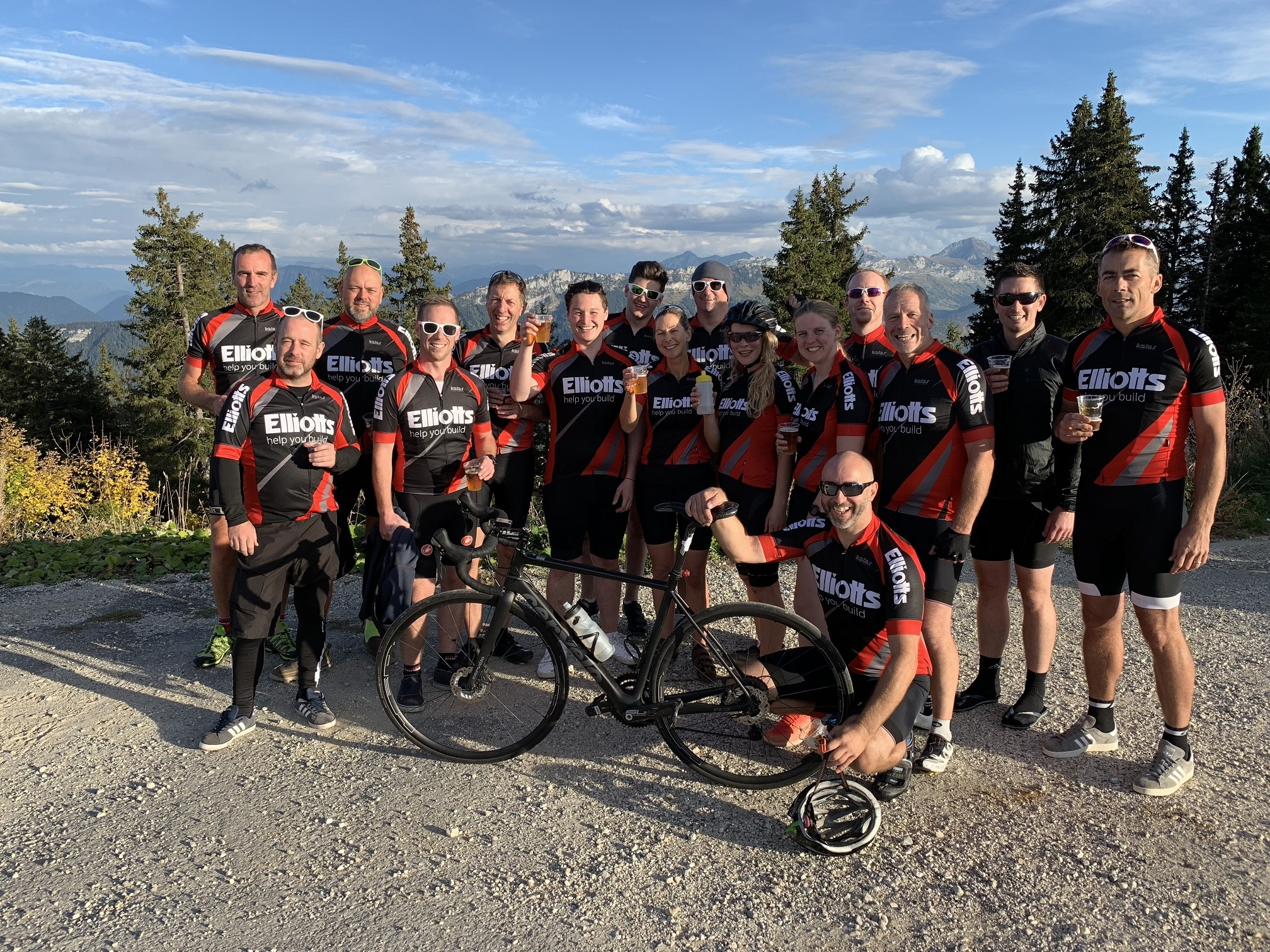 Team Elliott's at the finish on top of the Semnoz, Annecy