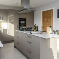 Symphony kitchen for a multi-plot site in Winchester - designed by Elliotts Living Spaces