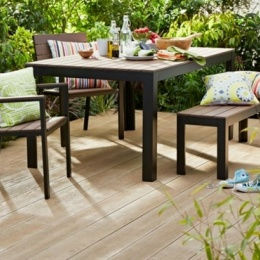 Millboard image banner - table & chairs