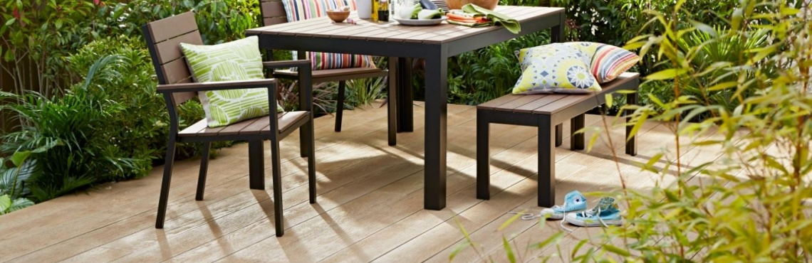 Millboard - table and chairs