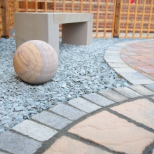 Elliotts Tadley landscaping display – paving, aggregate and seating
