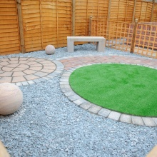 Elliotts Tadley landscaping display – patio area