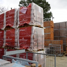 Large stocks of bricks, including Wienerberger, at our Tadley branch | Elliotts