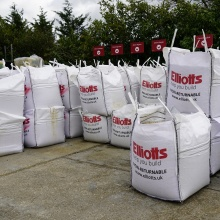 Bulk bags of sand, grit and gravel at Elliotts Tadley